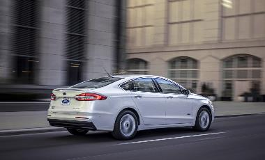 2019 Ford Fusion_rear_right