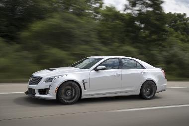 2019-Cadillac-CTS-V_Side_Left